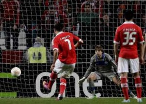 Cardozo slams home to seal the win for Benfica